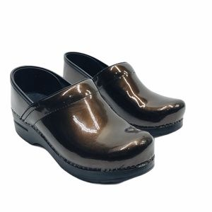 Dansko Brown Patent Leather Clogs 38 / 7.5